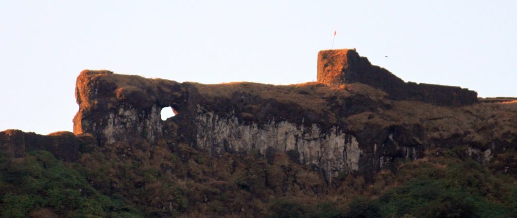 Don't miss to see this naturally formed beauty on Rajgad, which u can locate even from the road, while on your way to Nisargshala. Keep looking to left mountain range once you leave NH4 and head toward Velhe.